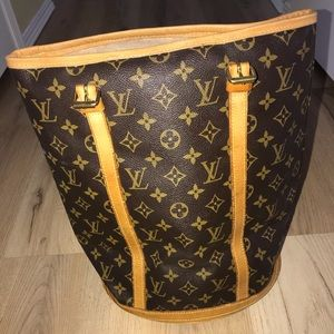 Authentic extra large Louis Vuitton bucket bag!